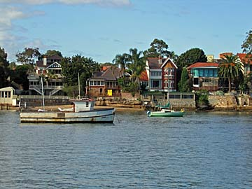 [waterfront houses]