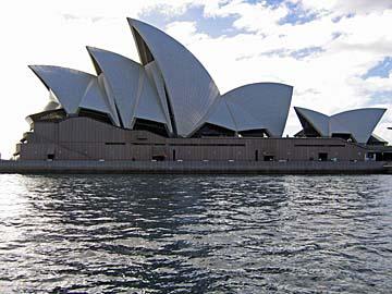 [sydney opera house]