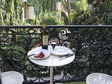 [balcony lunch]