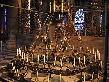 [chandelier]
