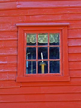 [red window]