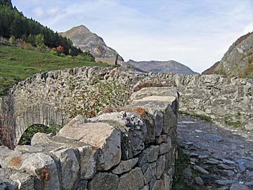 [stone bridge]