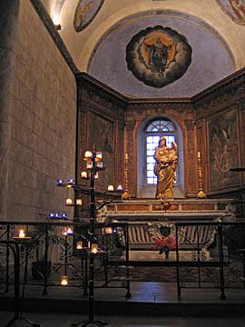 [abbey church interior]