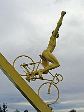 [tour de france sculpture]