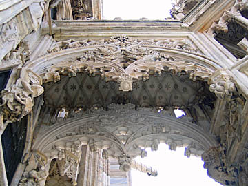 [duomo roof arch]